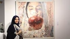 """""""ملامح نجدية"""".. هكذا حولت سعودية سير النساء في لوحات فنية"""