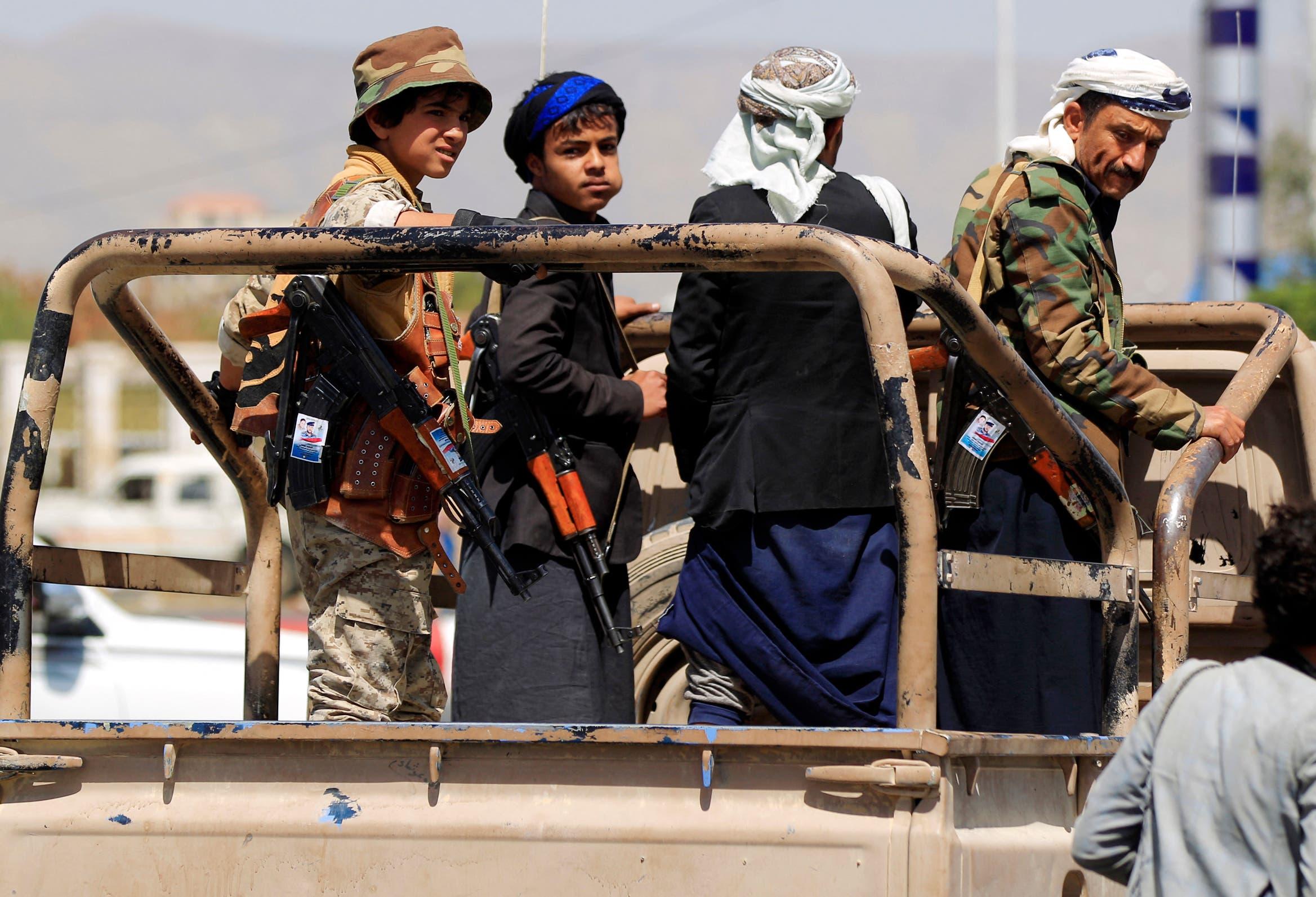 حوثيون ينقلون قتلاهم في مأرب إلى صنعاء (فرانس برس)