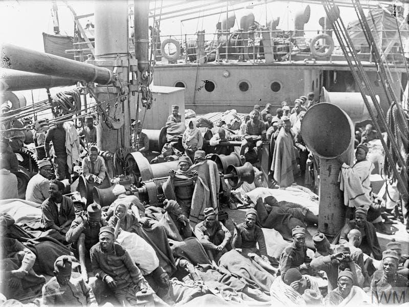 صورة لجنود أفارقة على متن سفينة أس أس ميندي عام 1916