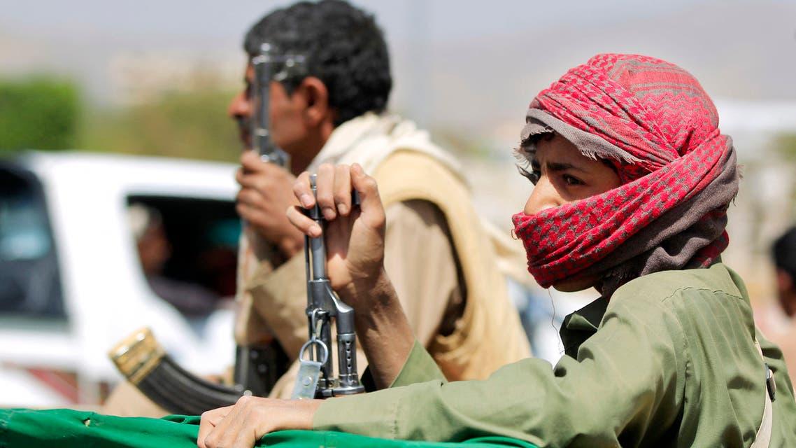 شاحنة حوثية تنقل قتلى الميليشيات من مأرب إلى صنعاء (فرانس برس)
