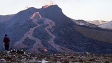فيديو عجيب.. نقانق على حمم بركانية في أيسلندا!