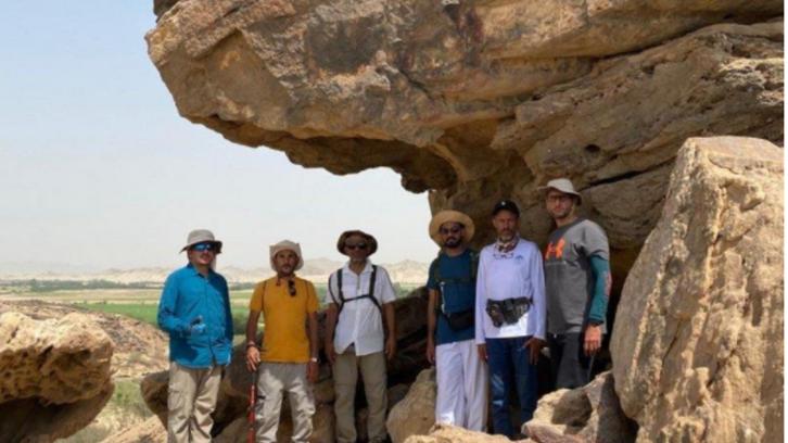 سعودی شہریوں کا گروپ ہجرتِ نبوی (ﷺ) کے راستے پر سفر میں مصروف