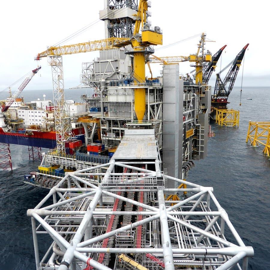 """النفط يفقد الزخم بسبب ضغوط من موجة جديدة لـ""""كورونا"""" في الهند"""