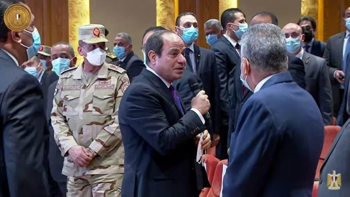 الرئيس السيسي خلال زيارته لقناة السويس