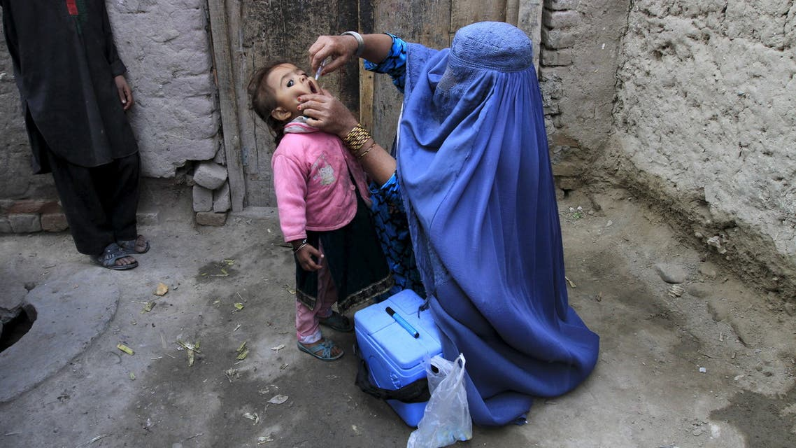 A child receives a polio vaccination during an anti-polio campaign on the outskirts of Jalalabad, Afghanistan. (File photo: Reuters)