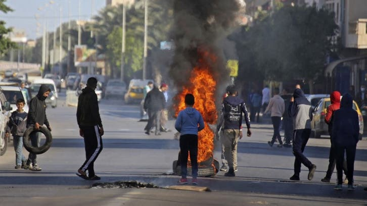 Tunisian police fire tear gas on protesters in southern city of Tataouine