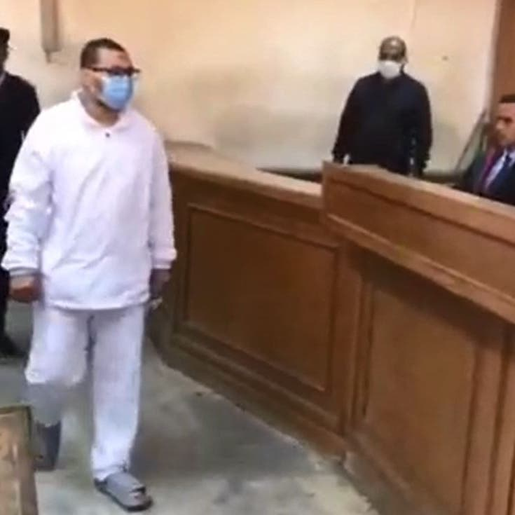 فيديو لأولى جلسات محاكمته.. المتحرش بطفلة المعادي يفاجئ القاضي