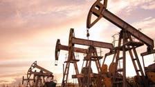 تصيد صفقات وبيانات اقتصادية تمحو خسائر النفط.. وبرنت يرتفع 1%
