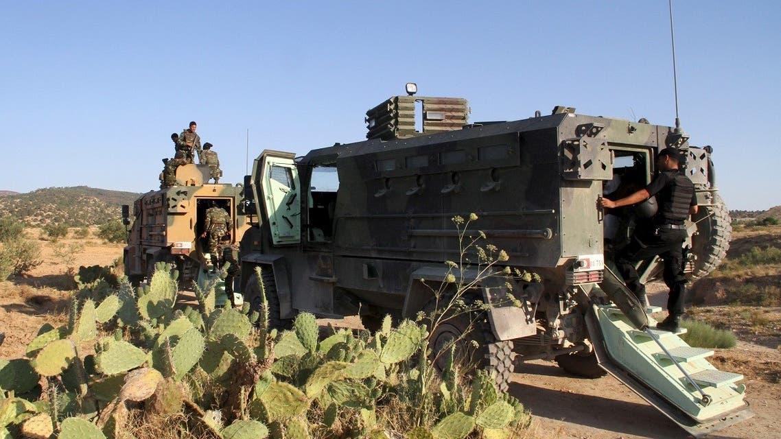 Tunisian soldiers and police patrol the area of Mount Salloum near Algeria's border in Kasserine, Tunisia. (File photo: Reuters)