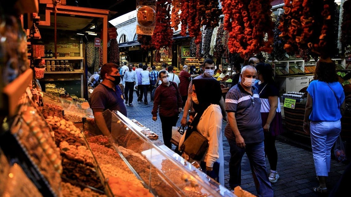 People shop at the Spice Market also known as the Egyptian Bazaar as the outbreak of the coronavirus continues, in Istanbul, Turkey September 9, 2020. (Reuters/Umit Bektas)