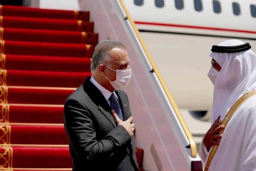 الکاظمی در فرودگاه بین المللی ابوظبی