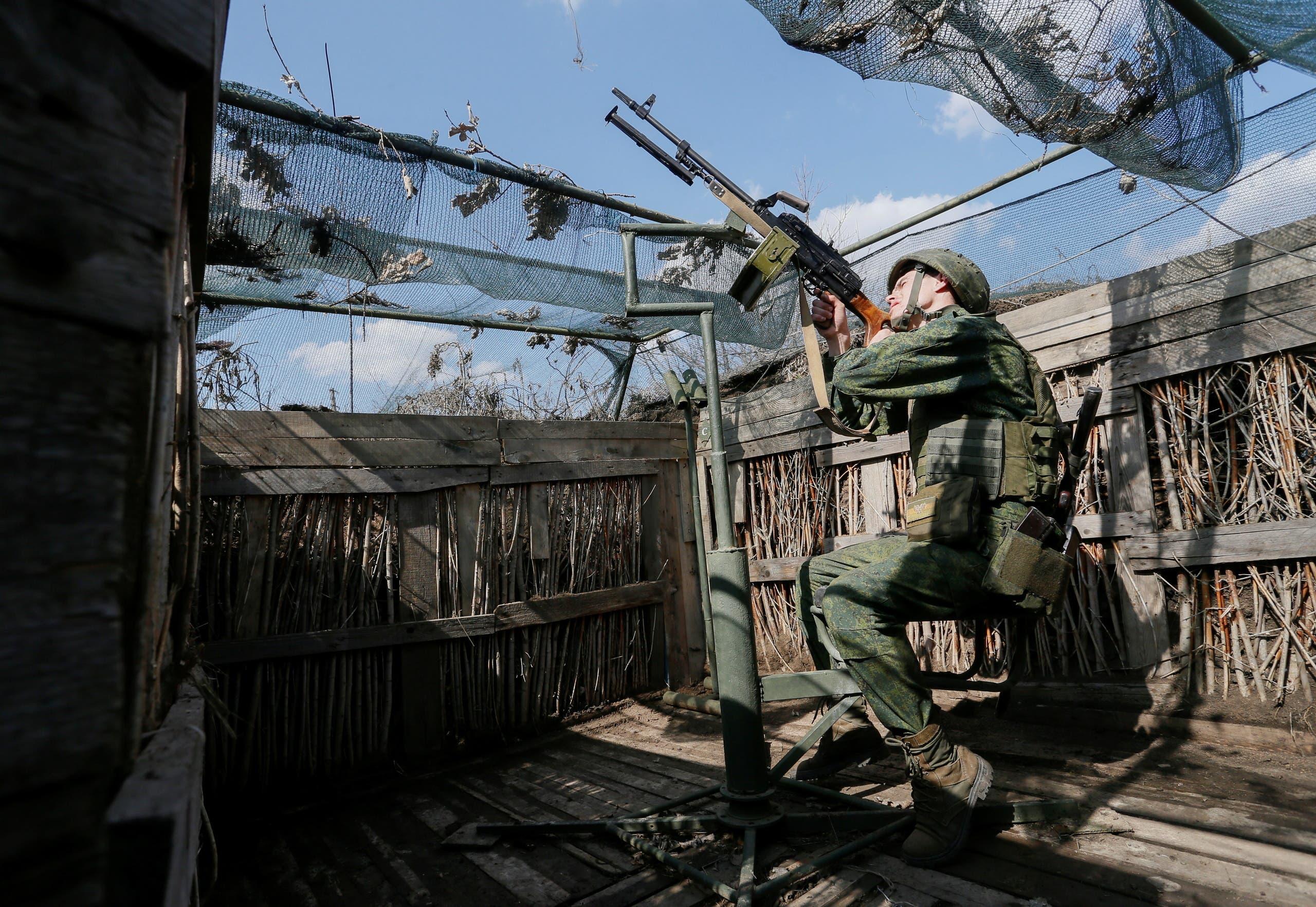 مقاتل انفصالي في شرق أوكرانيا