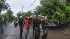 150 قتيلا في فيضانات إندونيسيا.. وجثث غارقة بالوحل