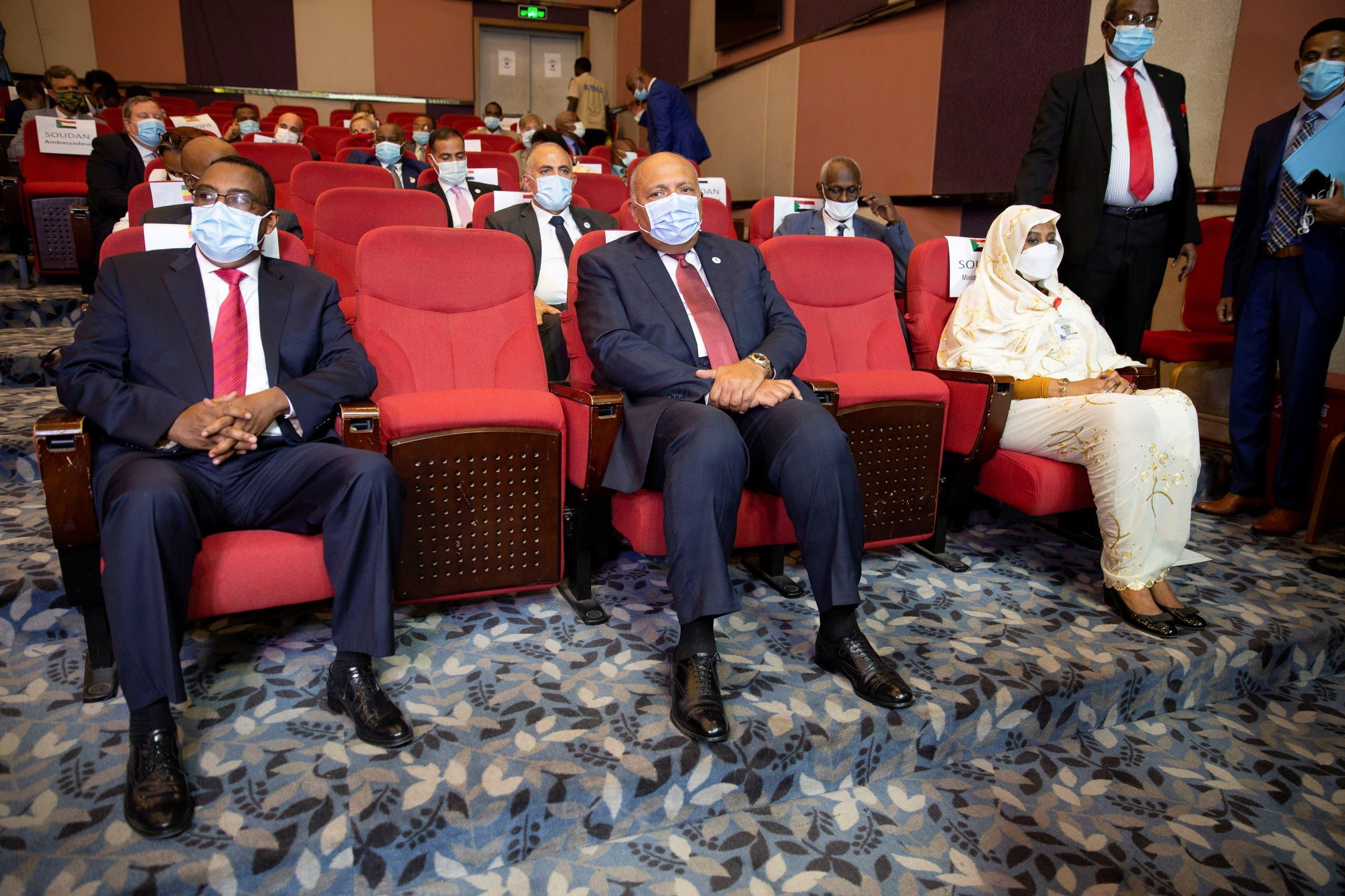من اليمين: وزراء خارجية السودان ومصر وإثيوبيا في كينشاسا يوم 4 أبريل 2021