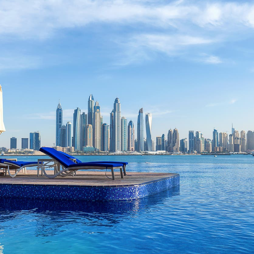 في مؤشر على عودة زخم السياحة.. رفع حد إشغال الفنادق في دبي