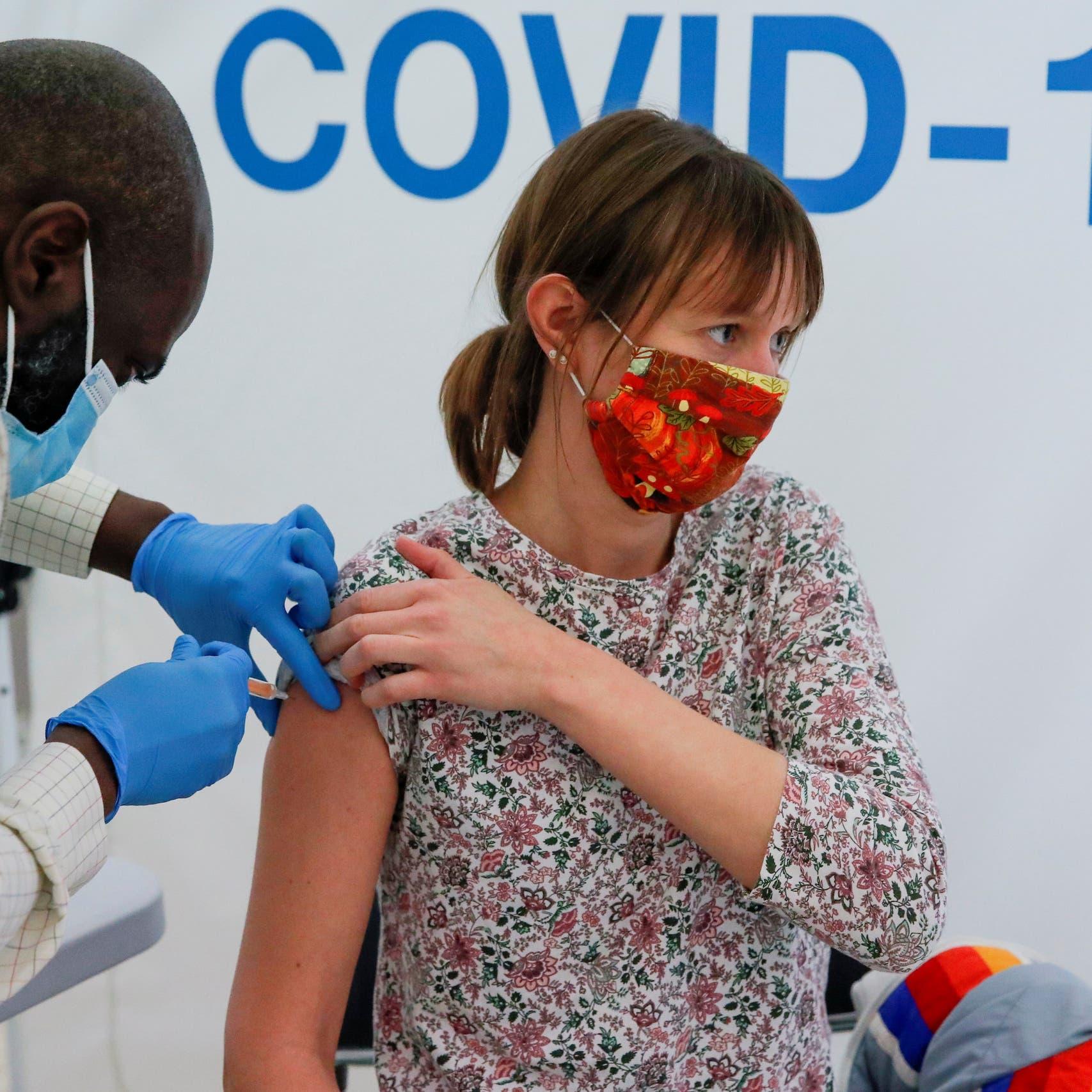 علماء: إصابات كورونا قد ترتفع بعد هدوء الصيف بهذا البلد