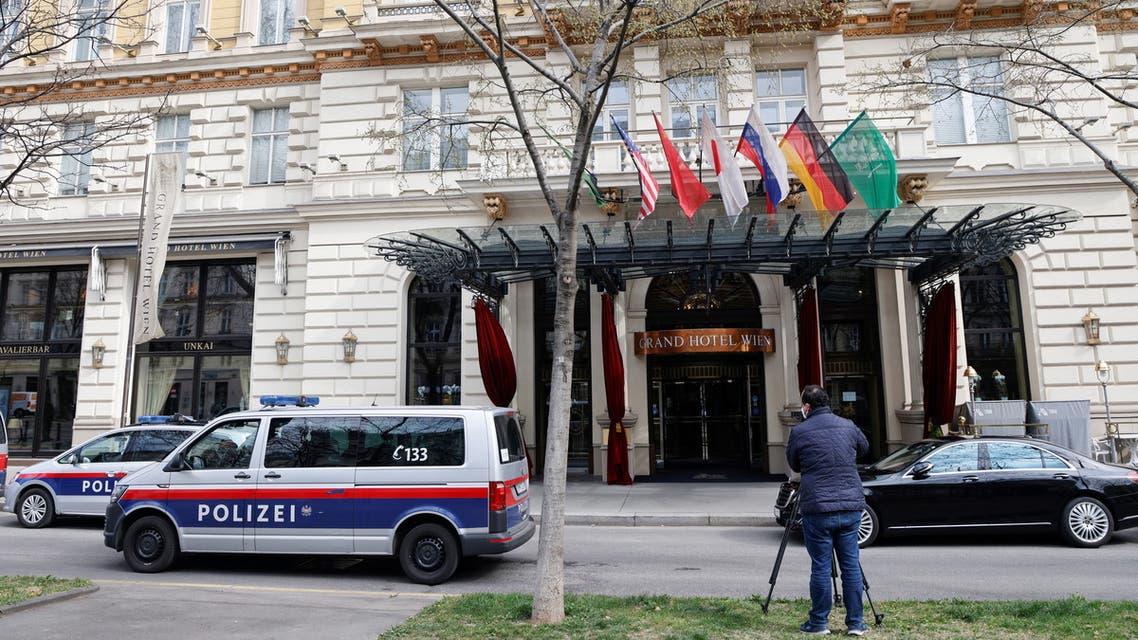 من فندق غراند هوتيل في فيينا حيث تعقد محادثات نووي إيران