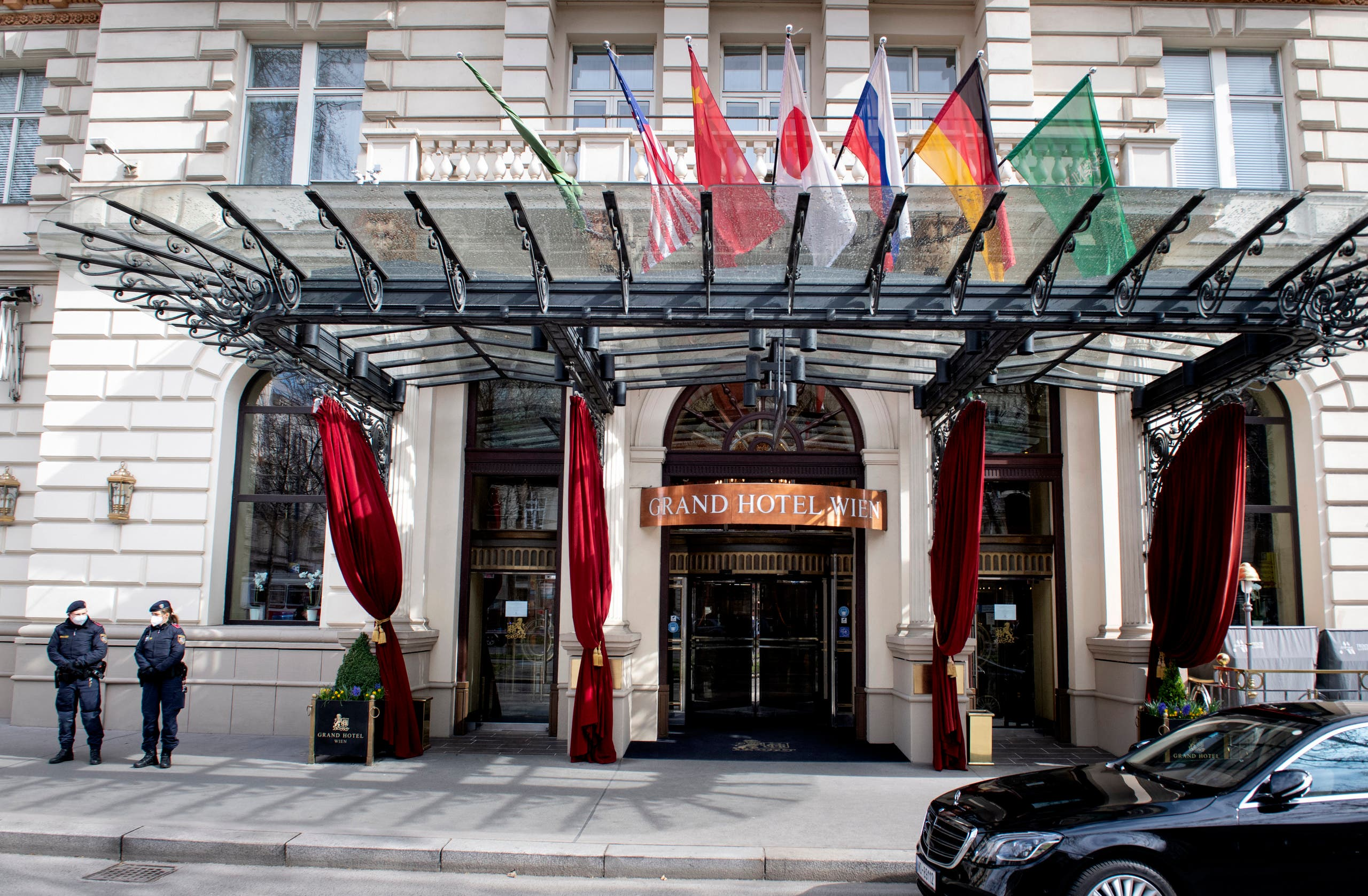 من فندق غراند هوتيل في فيينا حيث تعقد محادثات نووي إيران (أرشيفية- فرانس برس)