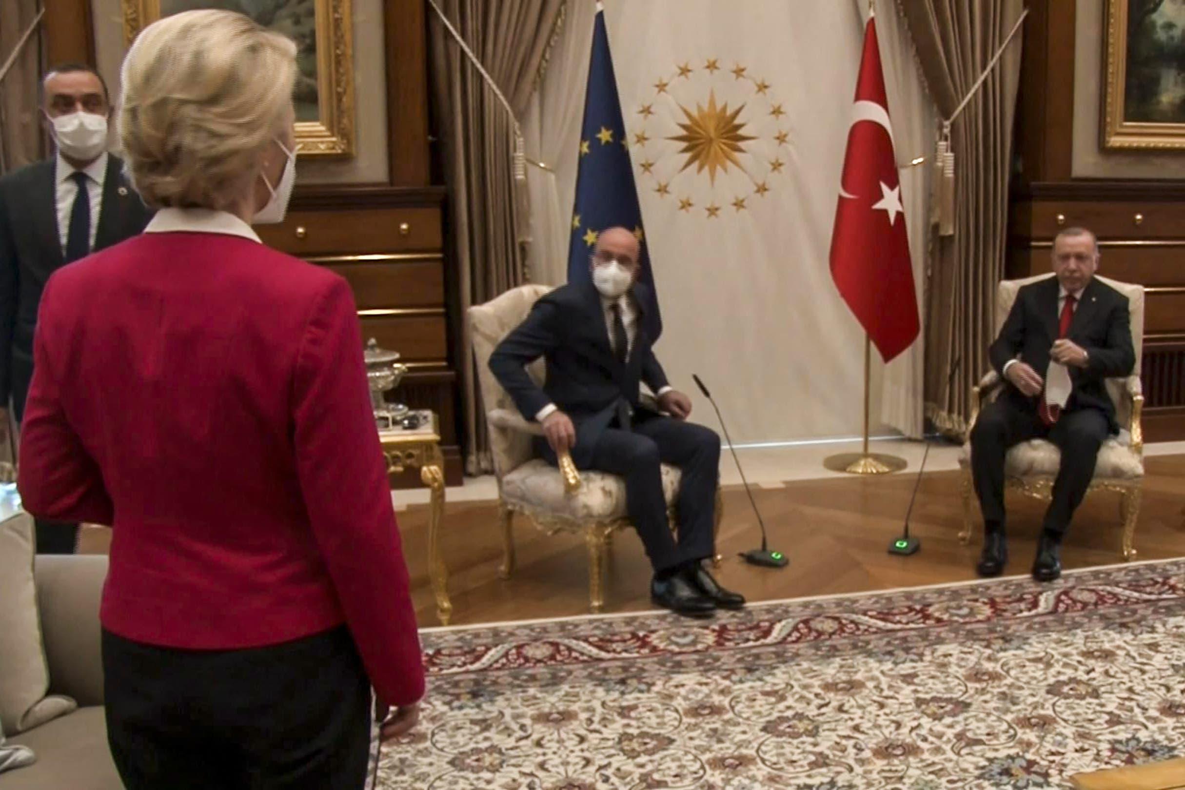 رئيسة المفوضية الأوروبية الألمانية أورسولا فون دير لايين في أنقرة (أرشيفية - فرانس برس)