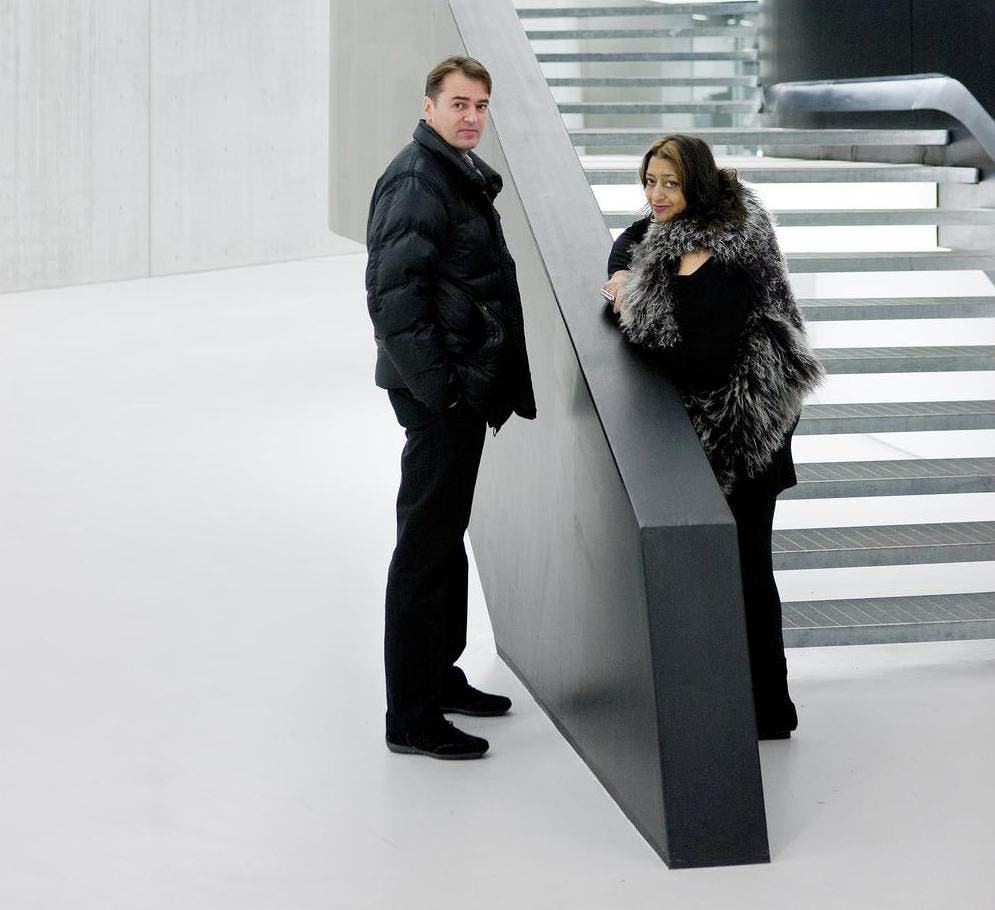 زَها حديد، رائدة العمارة التفكيكية وزميلها باتريك شوماخر