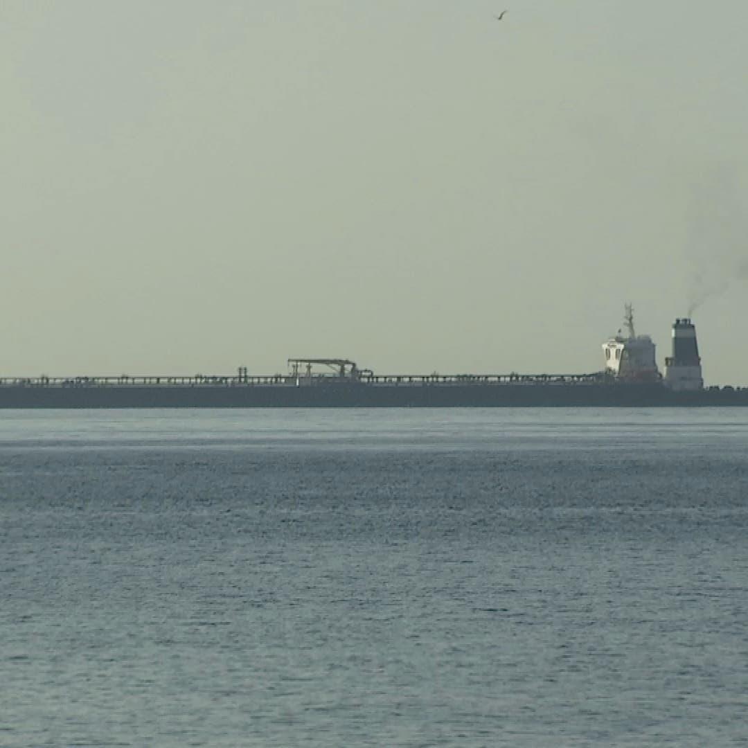 """شحنة بمليون برميل من النفط تصل ميناء """"بانياس"""" السوري"""