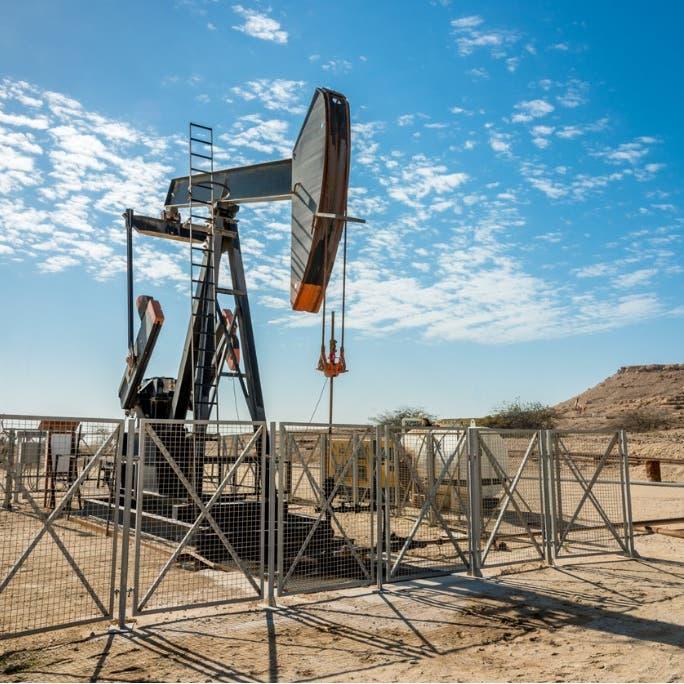 أسعار النفط تتكبد خسارة 2% بأسبوع.. لهذا السبب