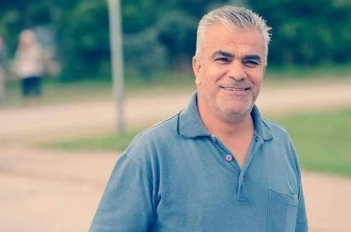 رجل سوري يدعى أكرم توفي إثر أزمة قلبية بعد إبلاغه بحرمانه من الأقامة في الدنمارك حسب ما نقله رواد مواقع التواصل