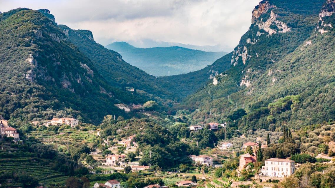 قرية جبلية في إيطاليا