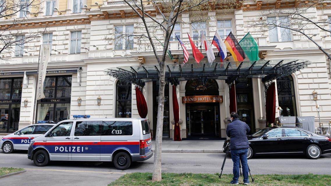 من الفندق في فيينا حيث تعقد محادثات نووي إيران