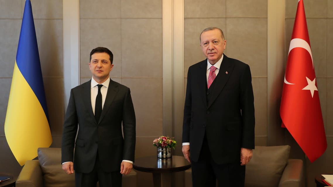 Turkish President Tayyip Erdogan and Ukraine's President Volodymyr Zelenskiy attend a meeting in Istanbul, Turkey, April 10, 2021. Murat Cetinmuhurdar/Presidential Press Office/Handout via REUTERS THIS IMAGE HAS BEEN SUPPLIED BY A THIRD PARTY. NO RESALES. NO ARCHIVES.