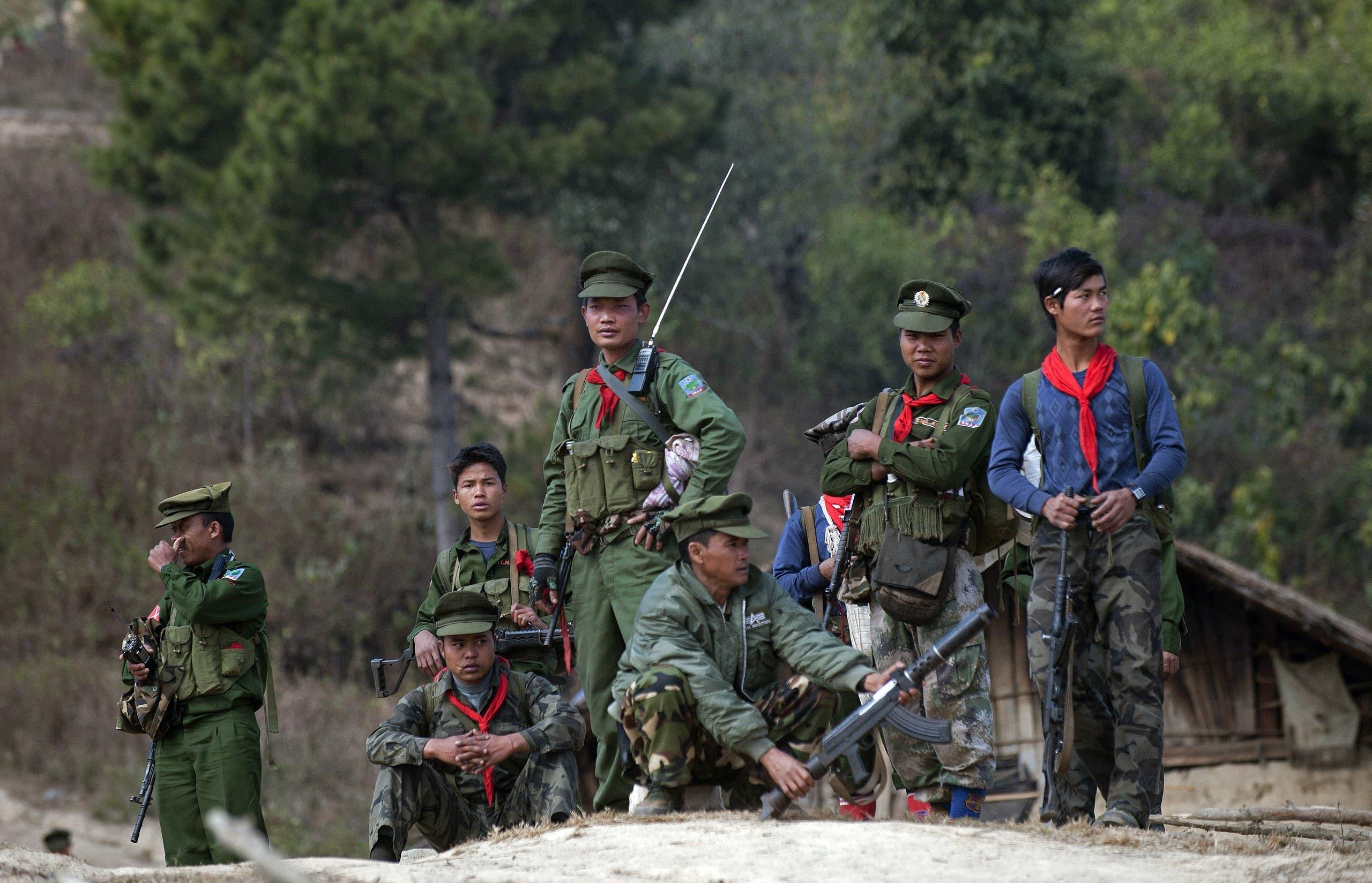 """عناصر من """"جيش تحرير تانغ الوطني"""" في ولاية شان (أرشيفية)"""