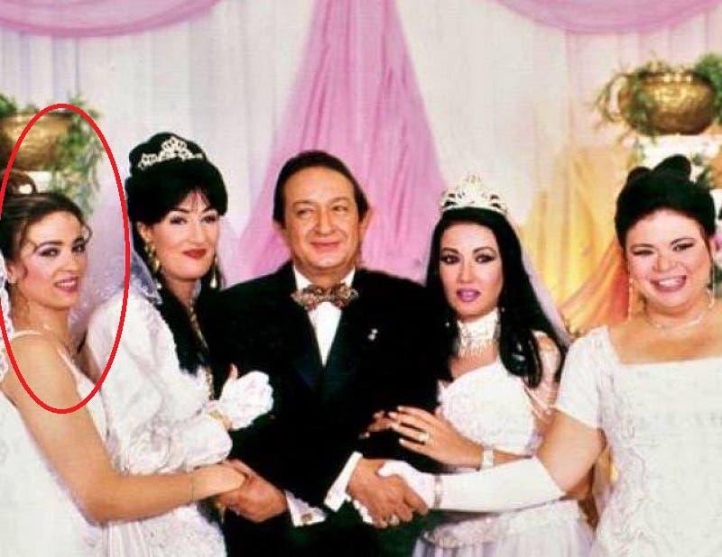 من مسلسل عائلة الحاج متولي وتظهر مونيا أقصى يسار الصورة