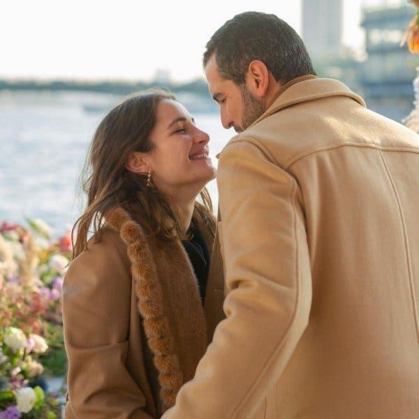 """ابنة أصالة نصري تثير ضجة.. والسبب """"قبلة على يد العريس"""""""