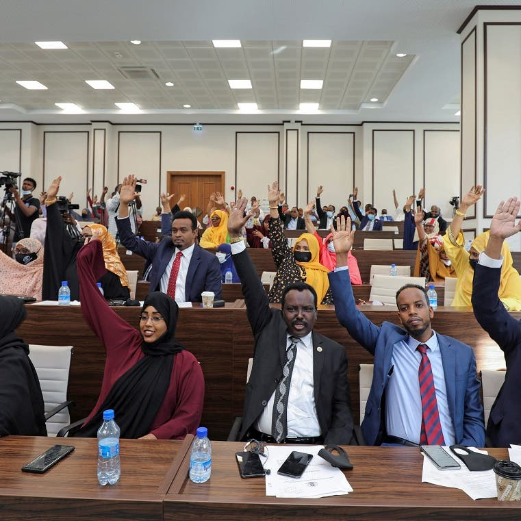 Somalia lawmakers vote to extend president's mandate, but Senate objects