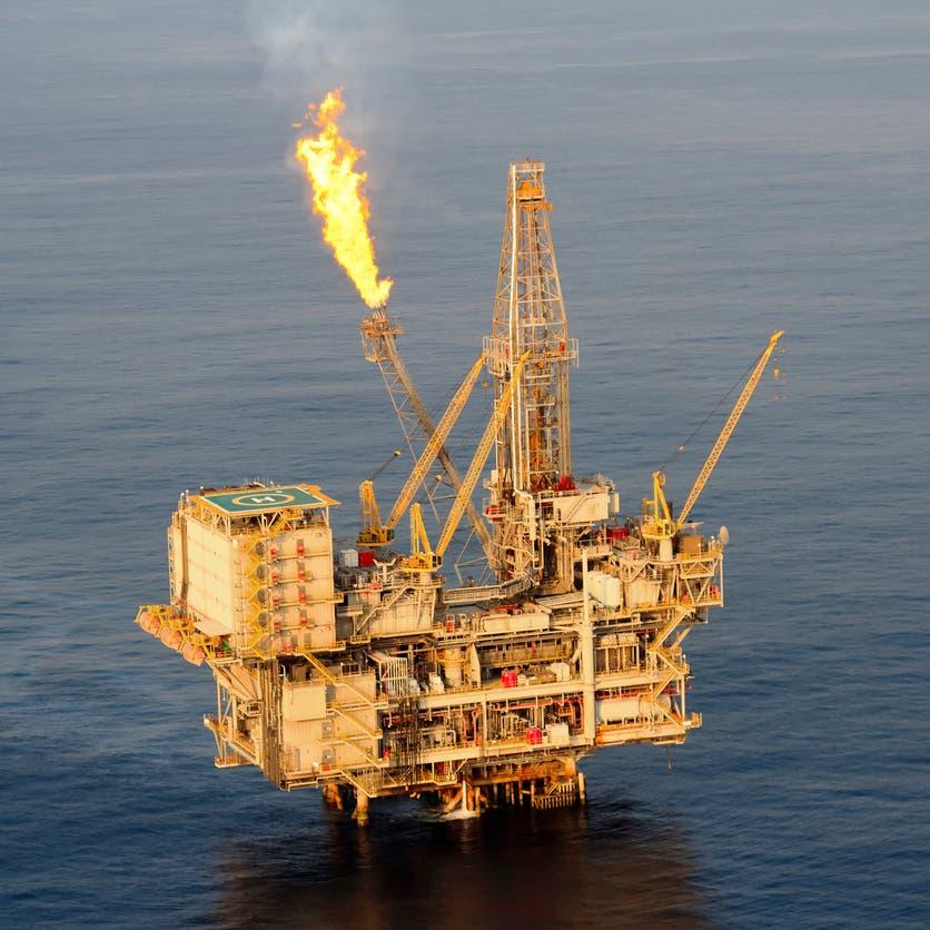 النفط يتراجع عن موجة صعود قوية لـ3 جلسات
