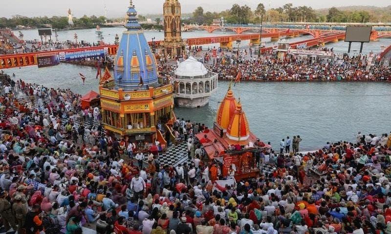 من مهرجان ديني في الهند قبل انتشار المتحور الجديد