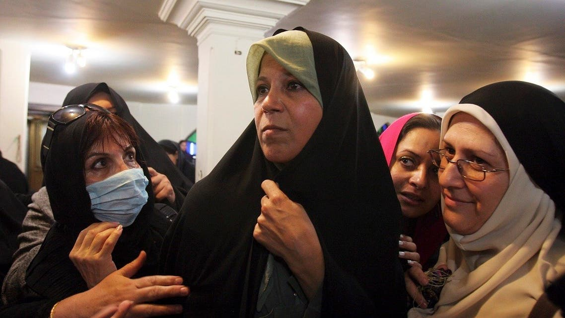 Faezeh Rafsanjani (C), daughter of former Iranian president Akbar Hashemi Rafsanjani, attends a protest at the Ghoba mosque in northern Tehran . (File photo: Reuters)