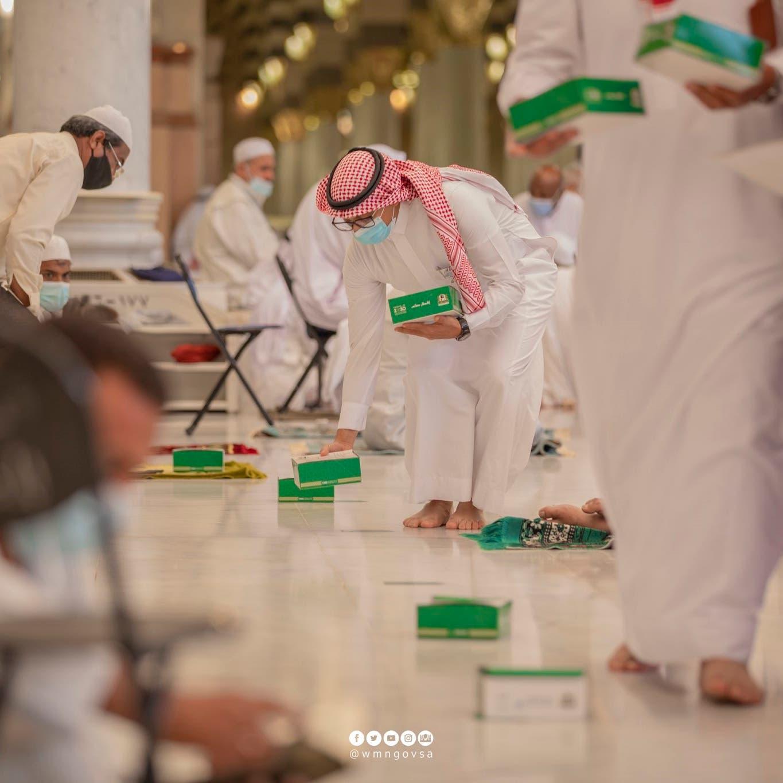 هكذا يفطر الصائمون في الحرمين الشريفين خلال رمضان