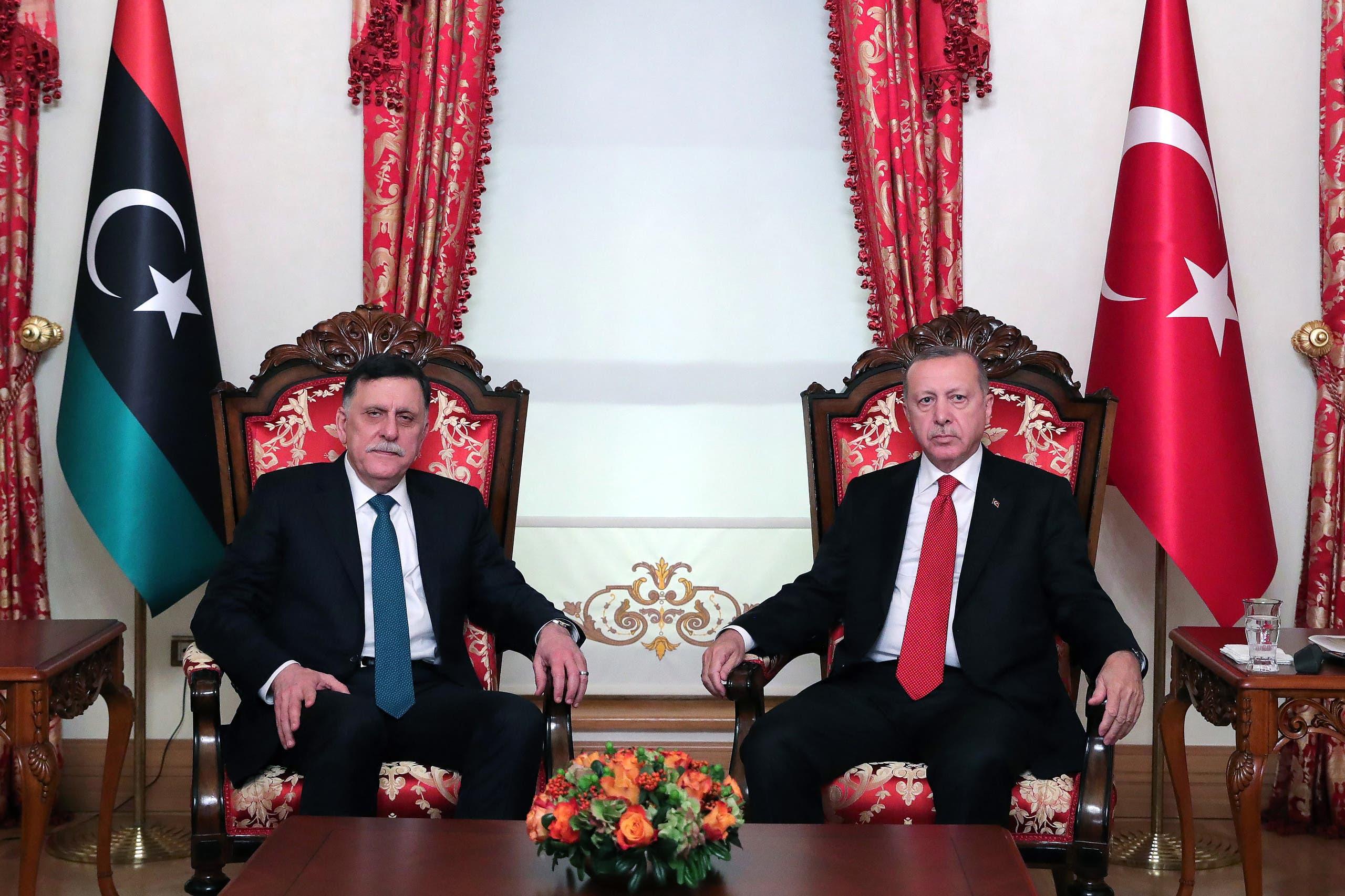 لقاء السراج بالرئيس التركي رجب طيب اردوغان في اسطنبول في نوفمبر 2019 إثر توقيع الاتفاقية بينهما حول ترسيم الحدود البحرية
