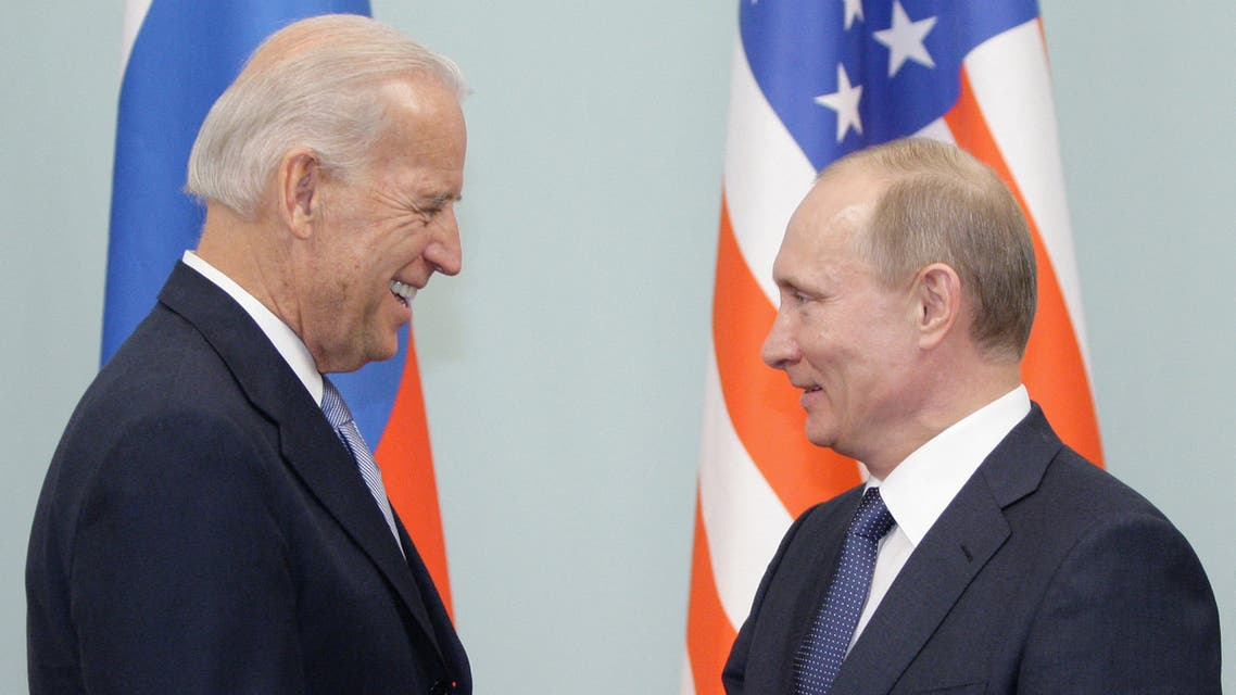 Russian Prime Minister Vladimir Putin (R) shakes hands with US Vice President Joe Biden (L) on March 10, 2011 during their meeting in Moscow. Putin on March 10 proposed to Biden that Russia and the United States abolish visas in a historic step to seal a revival in ties. Biden's visit is aimed at building on the reset in relations spearheaded by Russian President Dmitry Medvedev but Putin has until now enjoyed less cordial relations with Washington than his successor as Kremlin chief. AFP PHOTO / RIA-NOVOSTI POOL / ALEXEY DRUZHININ