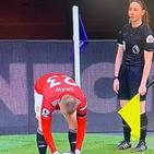 خاتون ریفری کی تصویر نے ایرانی حکام کو تنگ کر دیا ، فٹبال میچ کے مناظر 100 بار سینسر