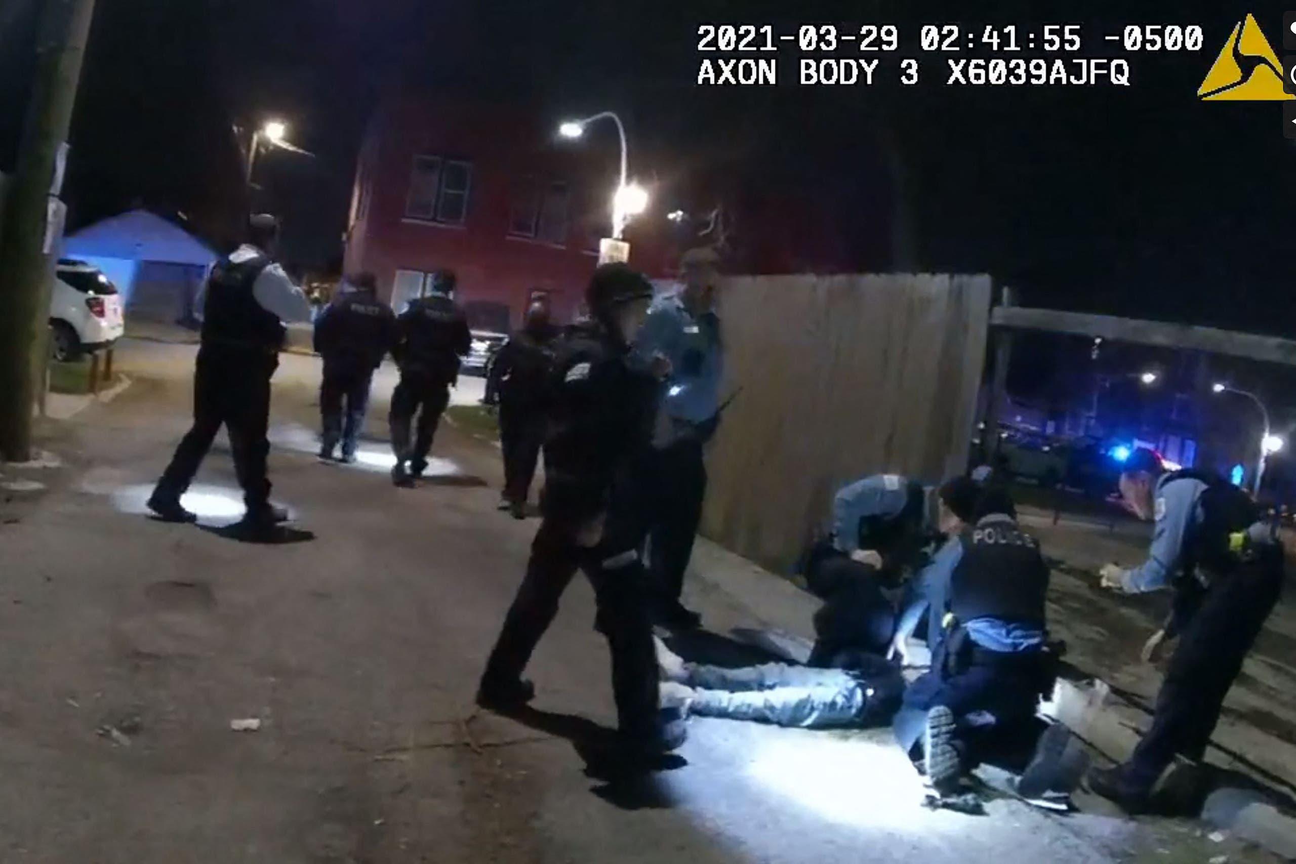 لحظة إطلاق النار على المراهق في شيكاغو - فرانس برس