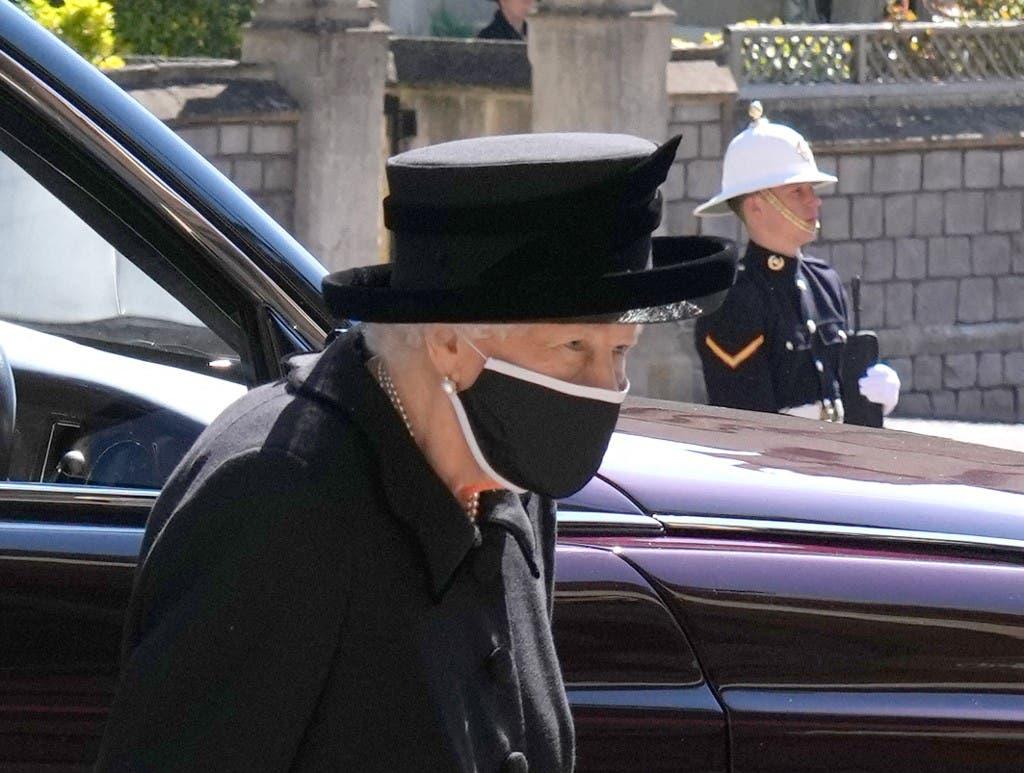 ملكة بريطانيا أثناء مراسم تشييع جثمان زوجها الأمير فيليب