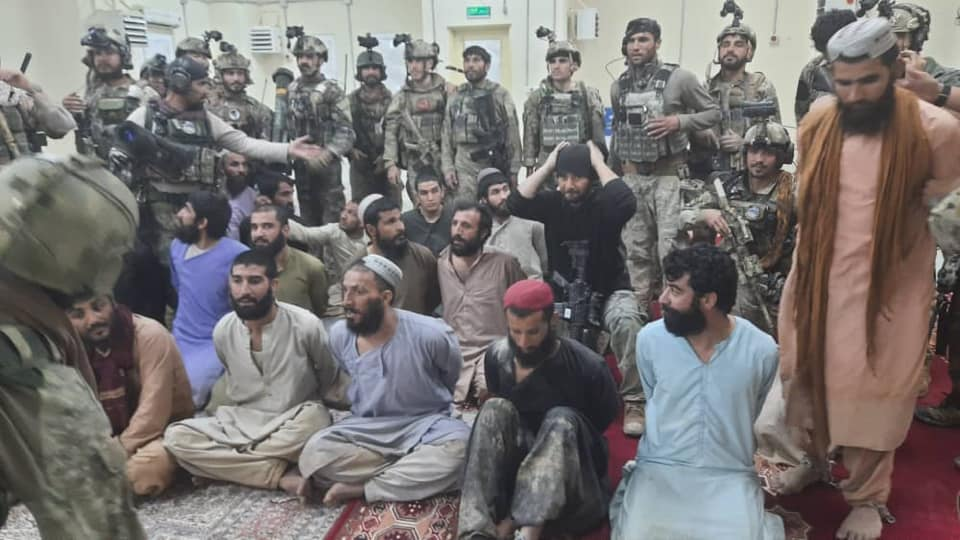 رهایی 20 سرباز افغان از زندان طالبان در ولایت نیمروز