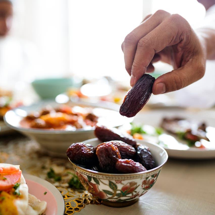 لمواجهة كورونا.. نصائح غذائية لتقوية مناعة الصائمين