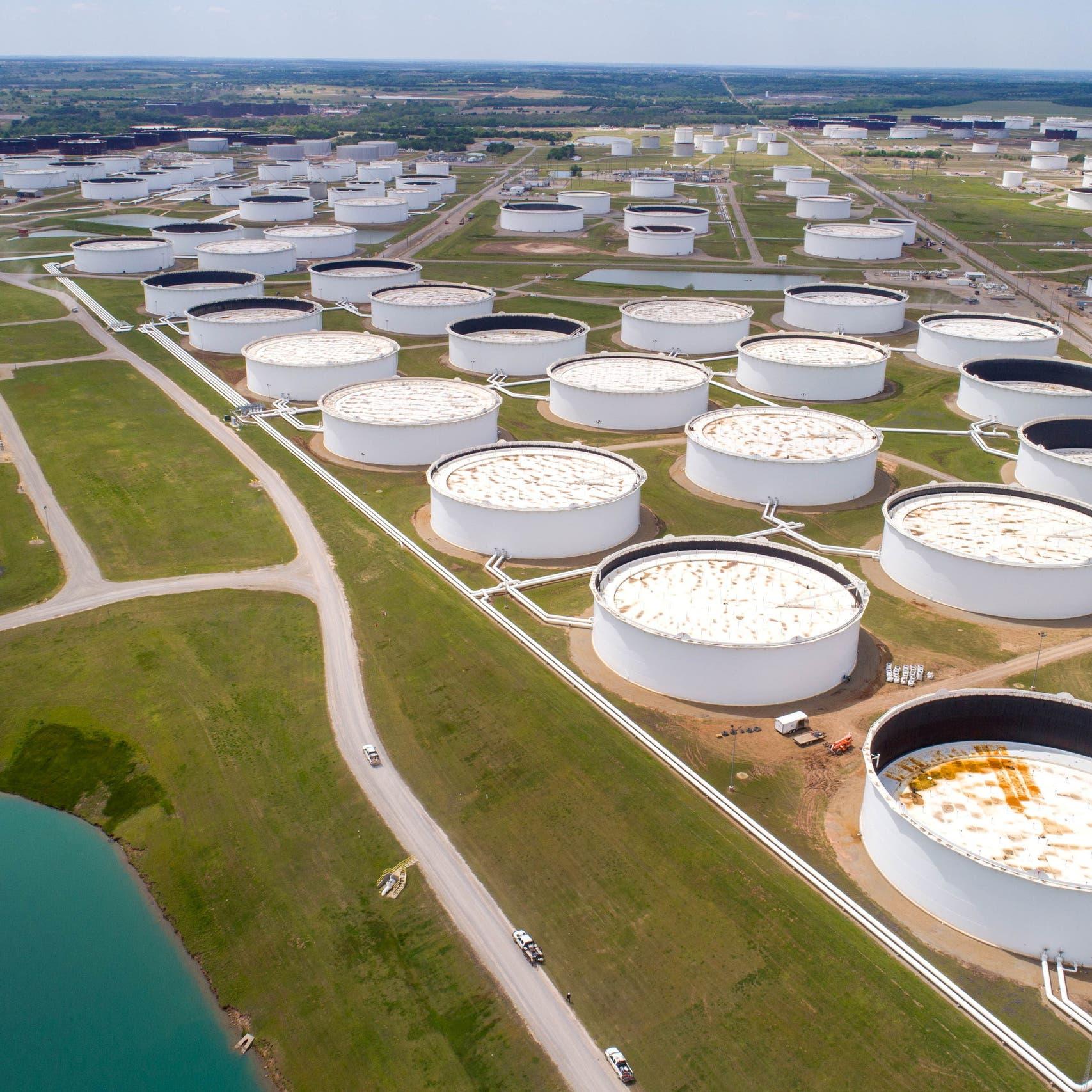 وكالة الطاقة الدولية: تخمة مخزونات النفط أوشكت على النفاد