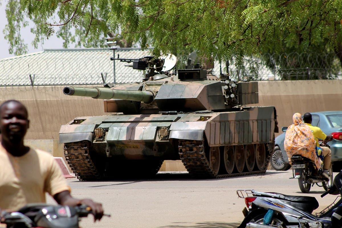 دبابة للجيش التشادي (رويترز)