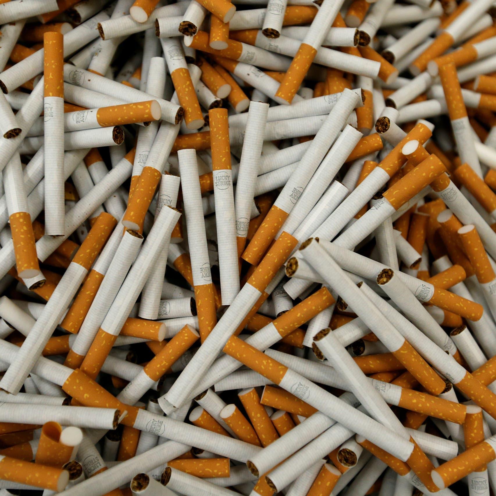 مصر تخفض شرط رخصة مصنع التبغ لإنتاج مليار سيجارة سنوياً