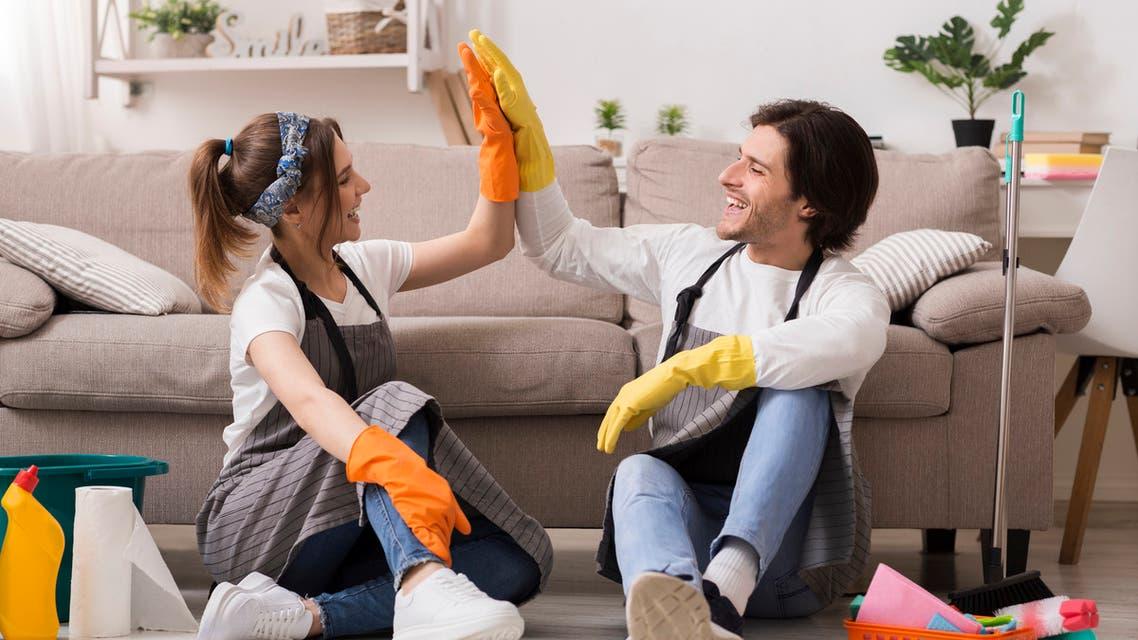 مشاركة بأعمال المنزل (iStock)