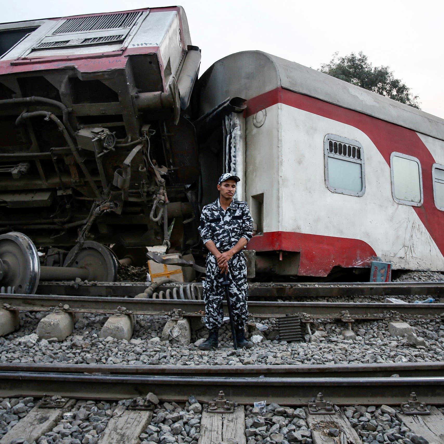 الواقعة تتكرر والوزارة تناشد.. سائق قطار مصري يمنع كارثة جديدة